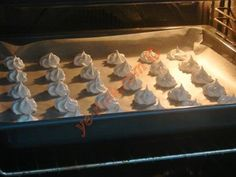 Beze Muffin, Food And Drink, Kitchen, Cooking, Muffins, Kitchens, Cupcakes, Cucina, Stove