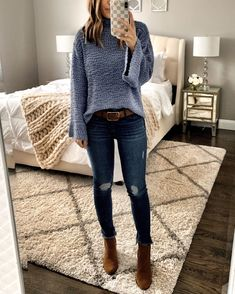 Outfit fall Nordstrom Anniversary Sale: Still in Stock IG: MrsCasual Ripped Knee Jeans, Ripped Jeggings, Ripped Skinny Jeans, High Waist Jeans, Crop Top Outfits, Casual Outfits, Denim Outfits, Legging Outfits, Athleisure Outfits