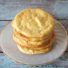 Is Gluten-Free, Carb-Free 'Cloud Bread' Actually Good for You?Health News / Tips & Trends / Celebrity Health No Carb Cloud Bread, Low Carb Bread, Salada Light, Tasty Bread Recipe, Bread Recipes, Grain Free Bread, Bad Carbohydrates, Bread Substitute, Bread Alternatives