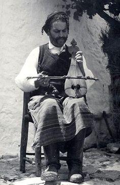 Cretan lira player, ealy century by Nelly's (Elli Souyioultzoglou-Seraidari) Benaki Museum, Athens Mykonos, Shark Drawing, Benaki Museum, Old Greek, Greek Art, Crete Island, Music Drawings, Greek History, Heraklion