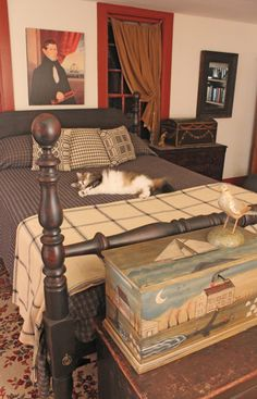 The cannonball bed dates to the period. This reproduction is from Circa Home Living, as are the coverlet, pillows, and hand-painted box. Primitive Homes, Primitive Country Bedrooms, Country Primitive, Farmhouse Bedrooms, Bedroom Country, Antique Bedrooms, Antique Beds, Prim Decor, Country Decor