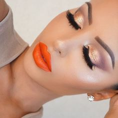 Makeup ideas orange lips Ideas for 2019 Orange Makeup, Gold Eye Makeup, Skin Makeup, Makeup Brush, Makeup Lipstick, Cute Makeup, Gorgeous Makeup, Makeup Looks, Makeup Style
