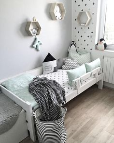 Shop the room decoration chambre enfant vert menthe club mamans Baby Bedroom, Baby Boy Rooms, Girls Bedroom, Bedroom Decor, Grey Kids Rooms, Kids Room Design, Kid Beds, Girl Room, Room Inspiration