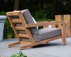 When you plan to invest in patio furniture you want to find some that speaks to you and that will last for awhile. Although teak patio furniture may be expensive its innate weather resistant qualit… Diy Garden Furniture, Diy Outdoor Furniture, Deck Furniture, Pallet Furniture, Furniture Projects, Furniture Plans, Furniture Decor, Outdoor Chairs, Furniture Design