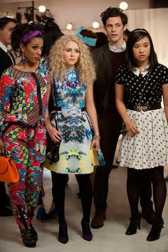 Carrie Bradshaw's back! #carriediaries