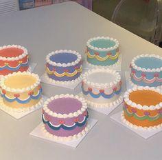 Pretty Birthday Cakes, Pretty Cakes, Mini Cakes, Cupcake Cakes, Korean Cake, Pastel Cakes, Frog Cakes, Cute Desserts, Just Cakes