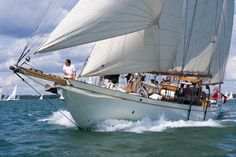 Bermudian Ketch underway