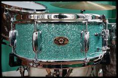 slingerland purple glass glitter black badge 1973 vintage drums in 2019 drums vintage drums. Black Bedroom Furniture Sets. Home Design Ideas