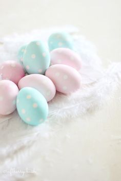 Easter Egg Decorating Ideas | Cute and Fun Spotted Easter Eggs | Fun Easter Crafts For Kids By DIY Ready. http://diyready.com/32-creative-easter-egg-decorating-ideas-anyone-can-make/