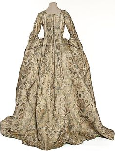 1725 French robe volante From pinterest.com:pocketmuseum:1720-s-fashion: