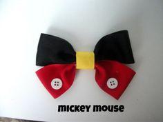 Disney Hair Bow Mickey Mouse Hair Bow by MinniesBowShop on Etsy Ribbon Hair Bows, Diy Ribbon, Grosgrain Ribbon, Mickey Birthday, Mickey Party, Mickey Mouse And Friends, Minnie Mouse, Disney Diy, Disney Crafts