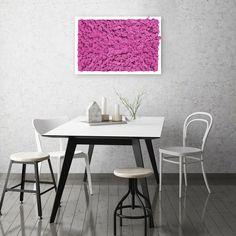 Dieses Moosbild ist ein echter Hingucker an der Wand - natürlich und schön. Island Moos, Moss Wall, Table, Furniture, Home Decor, Nice Asses, Decoration Home, Room Decor, Tables