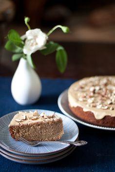 Torta alle nocciole delle Langhe: hazelnut and espresso cake