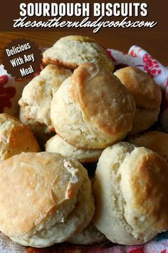 These sourdough biscuits are wonderful. My family loves them and having sourdough starter on hand, you will always have something to make. Sourdough Starter Discard Recipe, French Bread Starter Recipe, Recipe For Sourdough Biscuits, Recipe For Bread, Sourdough Bread Recipes, Sourdough Cinnamon Rolls, Sourdough English Muffins, Monkey Bread, Croissants
