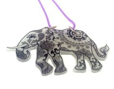Collar Mandala Elefante. Ilustración por GloriaSanchezArtist