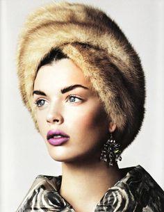 Rosali: makeup - lips