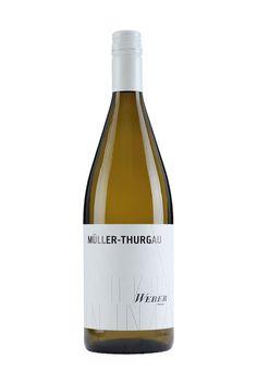 Weingut Weber   Ettenheimer Kaiserberg    MÜLLER-THURGAU 1 LITER halbtrocken   »UNKOMPLIZIERT« Eignet sich super für gemütliche Stunden oder eine fröhliche Runde – unkompliziert und unbeschwert. Der Müller-Thurgau verwöhnt geschmacklich mit viel Schmelz. 4,00 €  #Weingut #Weber #Wein #Müller #halbtrocken #Qualitätswein #Design #Architektur #packaging #wine