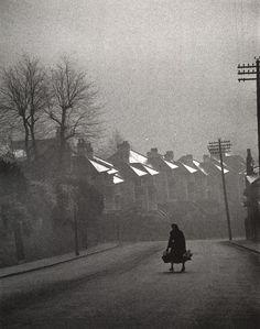 Carl Mydans - Fog Coming in, Swansea, Wales, 1954