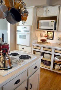 10 Low Cost Kitchen Cabinet Makeovers - GleamItUp