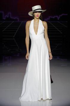 Marylise by Rembo Styling. Lela Rose, Rembo Styling, Fall Wedding Dresses, Bridal Dresses, Formal Dresses, Jenny Packham, Wedding Dress With Pockets, Estilo Boho, Bridal Fashion Week
