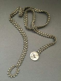 Beth Stone Designs - no tuteThis is so pretty. The pattern would make a nice lariat necklace.Long beaded bracelet with superduo beadsDIY Projects to Make Anklets - Pretty Designs Beaded Wrap Bracelets, Seed Bead Bracelets, Bead Jewellery, Seed Bead Jewelry, Jewelry Necklaces, Beaded Jewelry Patterns, Bracelet Patterns, Diy Collier, Super Duo Beads