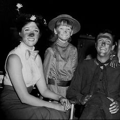 Julie Andrews, Karen Dotrice & Dick Van Dyke on the set of Mary Poppins