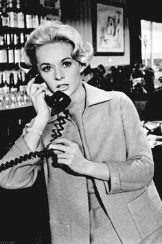 """Tippi Hedren in """"The Birds"""" .... This movie gave me nightmares for years!!"""