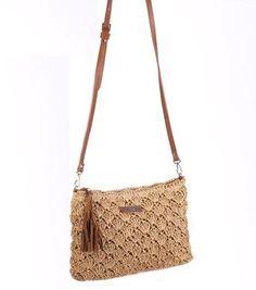 Bolso rafia crochet de Kbas Crochet Purse Patterns, Crochet Tote, Crochet Handbags, Crochet Purses, Drawstring Bag Pattern, Crochet Shoulder Bags, Ethnic Bag, Macrame Bag, Knitted Bags