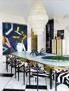 Get inspired with some of these Kelly Wearstler dining room design to improve your home decoration. Renowned for her distinctive alchemy of soulful mixology an Luxury Dining Room, Dining Room Design, Dining Rooms, Dining Tables, Dining Decor, Round Dining, Table Lamps, Luxury Interior Design, Interior Design Inspiration