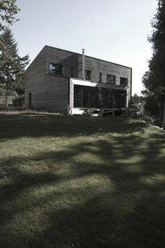 ieu : Yvelines (78)   type : maison passive maître d'ouvrage : privé         année de construction : 2009    surface : 160 m² budget : privé certification : Passivhaus consommation : 13kWh/m²a