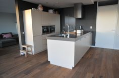 kleine keuken met kookeiland - Google zoeken