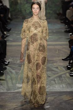 Valentino Spring 2014 Couture Fashion Show - Irina Liss (Supreme)