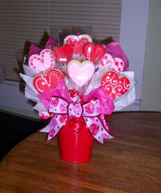 Love pot only for few customers Dm for orders and enquiry . Valentine Gift Baskets, Valentine's Day Gift Baskets, Valentine Desserts, Valentine Chocolate, Valentines Day Cookies, Valentine Cookies, Valentines Day Decorations, Valentines For Kids, Valentine Gifts