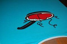 estampando camisetas a tres colores