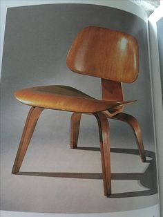Lounge chair wood, Charles & Ray Eames
