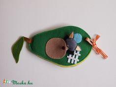 Denevér Beni avokádó házikója- játszókönyvecske, Baba-mama-gyerek, Játék, Baba, babaház, Készségfejlesztő játék, Meska