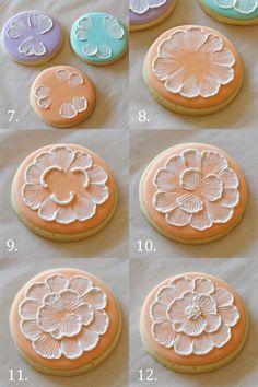 Cómo hacer el bordado cepillo en galletas - glorioustreats.com