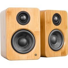 Powered Desktop Speakers feature a built-in soundcard, letting you stream high-quality audio directly from your computer's USB port. Wooden Speakers, Small Speakers, Speaker Wire, Bookshelf Speakers, Bookshelf Diy, Diy Speakers, Bluetooth Speakers, Diy Amplifier, Class D Amplifier
