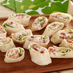 Ever meet a BLT you didn't like? These BLT Rollers are no exception! Get all the elements of the classic in this tortilla version with our BLT Rollers. Recipes Appetizers And Snacks, Appetizer Dips, Blt Recipes, Recipies, Delicious Appetizers, Bacon Appetizers, Lunch Recipes, Kraft Recipes, Kraft Foods
