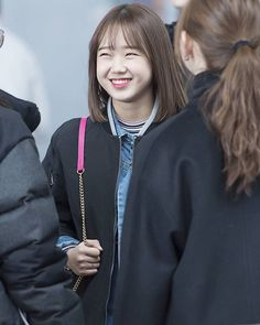 [170214] #유정#YOOJUNG @ Incheon Airport to LA   ©® smile star ㅡ What do you think with her new Hairstyle?