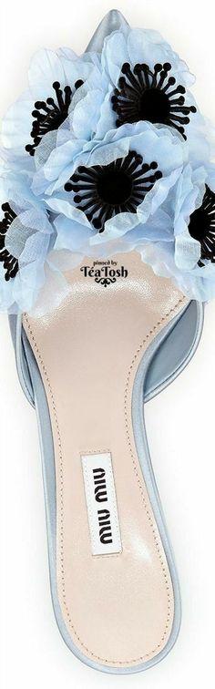 Miu Miu Pretty Shoes, Beautiful Shoes, Miu Miu, Shades Of Light Blue, Dark Blue, Bleu Pale, Michael Kors, Blue Party, Color Azul