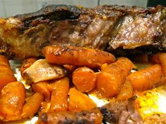 Wicked Delicious: Garlic Lover's Slow Cooker Pot Roast