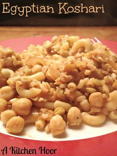 Cooking the World Pantry Style Koshari for Vegetarian Recipes Easy, Real Food Recipes, Egyptian Food, Eastern Cuisine, Middle Eastern Recipes, Meatless Monday, International Recipes, Vegetable Dishes, Macaroni And Cheese