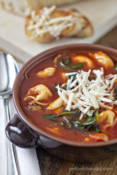 Tortellini Tomato and Spinach Soup