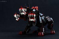 Dennis Qiu frequently creates incredible LEGO monsters and beasts. Lego Hacks, Lego Halloween, Green Tea And Honey, Lego Animals, Lego Figures, Cerberus, Lego Bionicle, Lego News, Robot Design