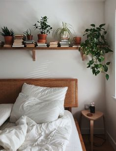 Room Ideas Bedroom, Home Bedroom, Diy Bedroom Decor, Home Decor, Bedrooms, Book Shelf Bedroom, Serene Bedroom, Bedroom Neutral, Decor Room