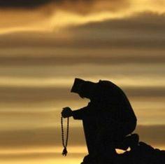 Monk at Mont Athos Christian World, Christian Art, The Holy Mountain, Greek Culture, Orthodox Christianity, Paradise On Earth, Holy Spirit, Catholic, Spirituality