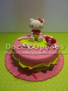 Doces Opções: Hello Kitty no 1º aniversário da Juliana
