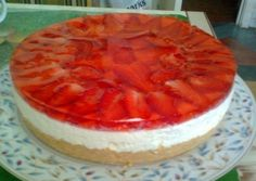 Cheesecake without baking with strawberries
