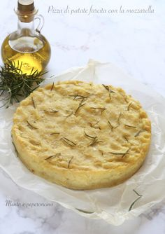 Pizza di patate farcita con la mozzarella ( piatto unico ) #ricetta #senzauova #piattounico